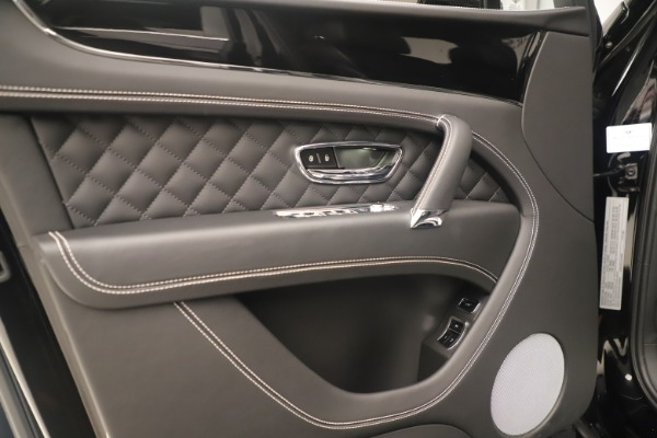 Used 2018 Bentley Bentayga W12 Signature for sale Sold at Maserati of Greenwich in Greenwich CT 06830 16