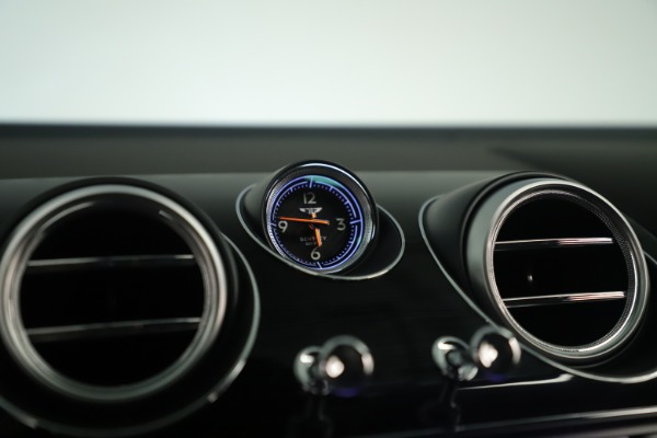 Used 2018 Bentley Bentayga W12 Signature for sale Sold at Maserati of Greenwich in Greenwich CT 06830 23