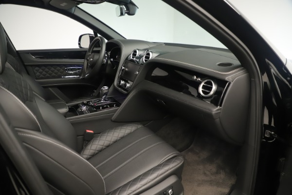 Used 2018 Bentley Bentayga W12 Signature for sale Sold at Maserati of Greenwich in Greenwich CT 06830 27
