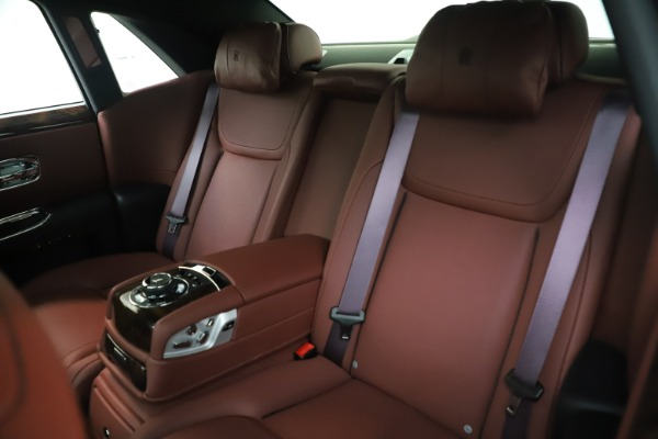 Used 2016 Rolls-Royce Ghost for sale $176,900 at Maserati of Greenwich in Greenwich CT 06830 15