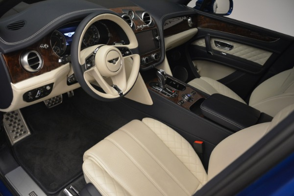 Used 2018 Bentley Bentayga W12 Signature for sale $169,900 at Maserati of Greenwich in Greenwich CT 06830 16