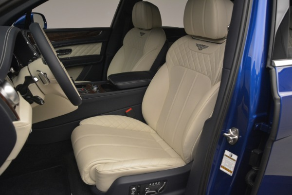 Used 2018 Bentley Bentayga W12 Signature for sale $169,900 at Maserati of Greenwich in Greenwich CT 06830 17