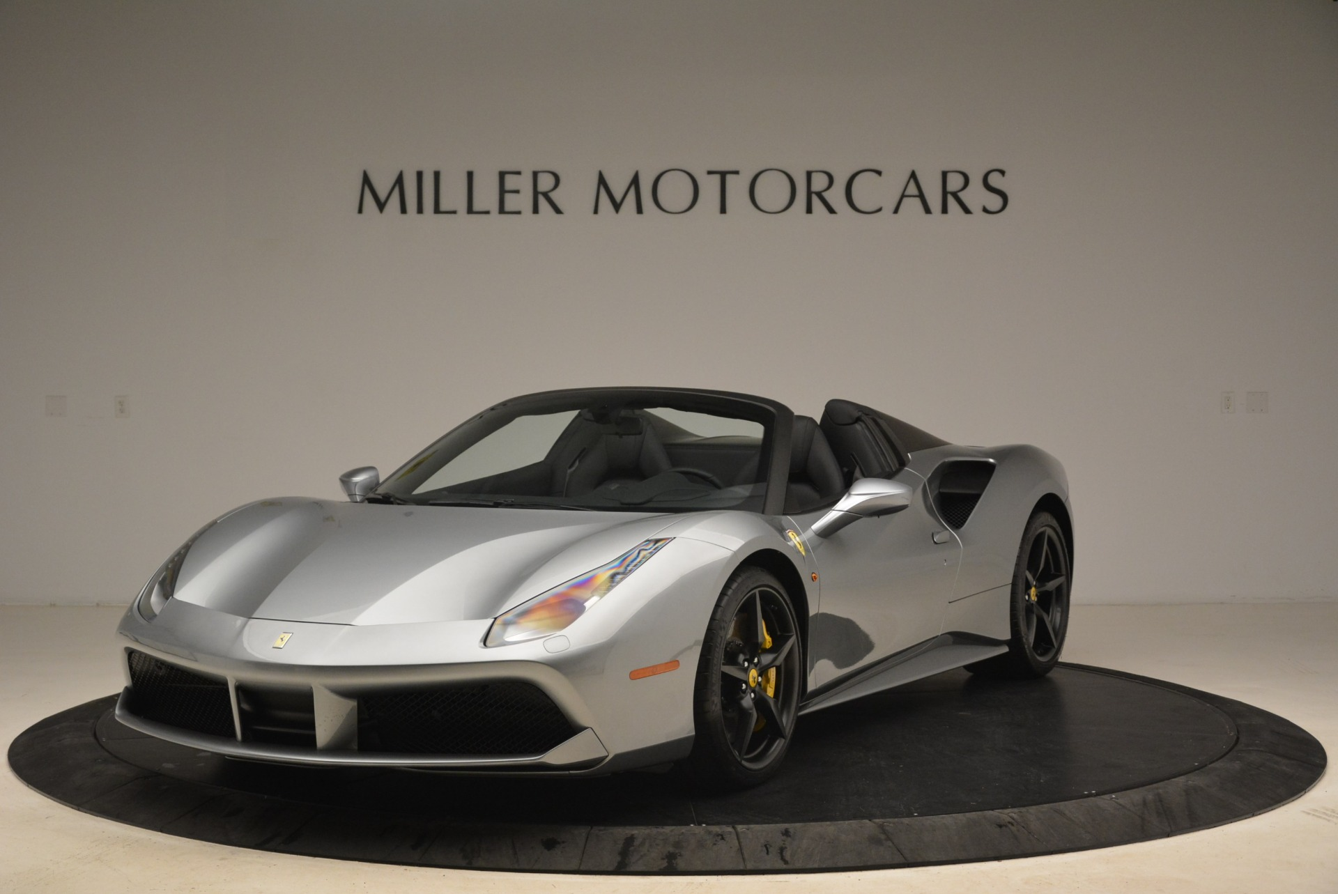 Used 2018 Ferrari 488 Spider for sale $274,900 at Maserati of Greenwich in Greenwich CT 06830 1