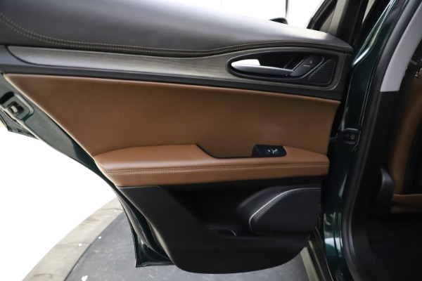 Used 2018 Alfa Romeo Stelvio Ti Q4 for sale $32,900 at Maserati of Greenwich in Greenwich CT 06830 21