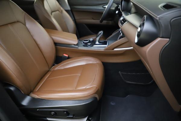 Used 2018 Alfa Romeo Stelvio Ti Q4 for sale $32,900 at Maserati of Greenwich in Greenwich CT 06830 24