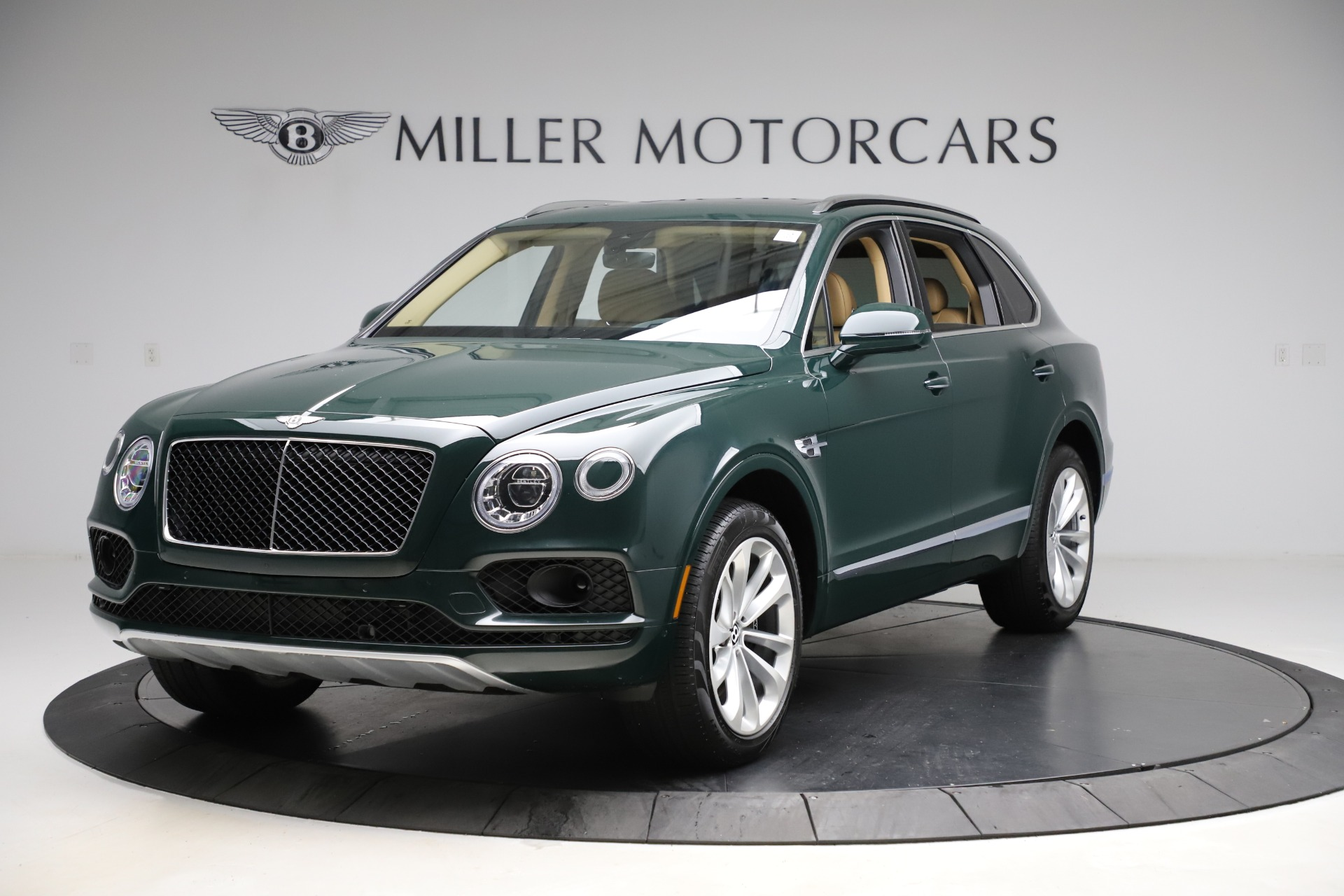 Used 2019 Bentley Bentayga V8 for sale $163,900 at Maserati of Greenwich in Greenwich CT 06830 1
