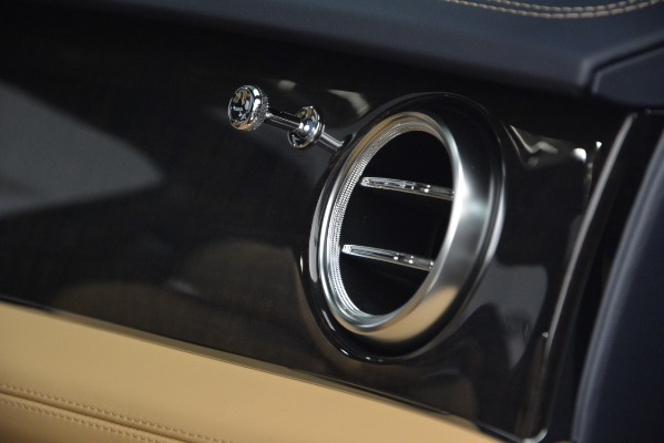 New 2019 Bentley Bentayga V8 for sale Sold at Maserati of Greenwich in Greenwich CT 06830 21