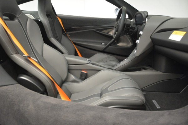 New 2019 McLaren 720S Coupe for sale $344,340 at Maserati of Greenwich in Greenwich CT 06830 22