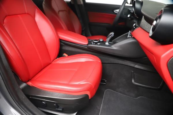 New 2019 Alfa Romeo Giulia Q4 for sale Sold at Maserati of Greenwich in Greenwich CT 06830 23