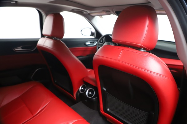 New 2019 Alfa Romeo Giulia Q4 for sale Sold at Maserati of Greenwich in Greenwich CT 06830 27