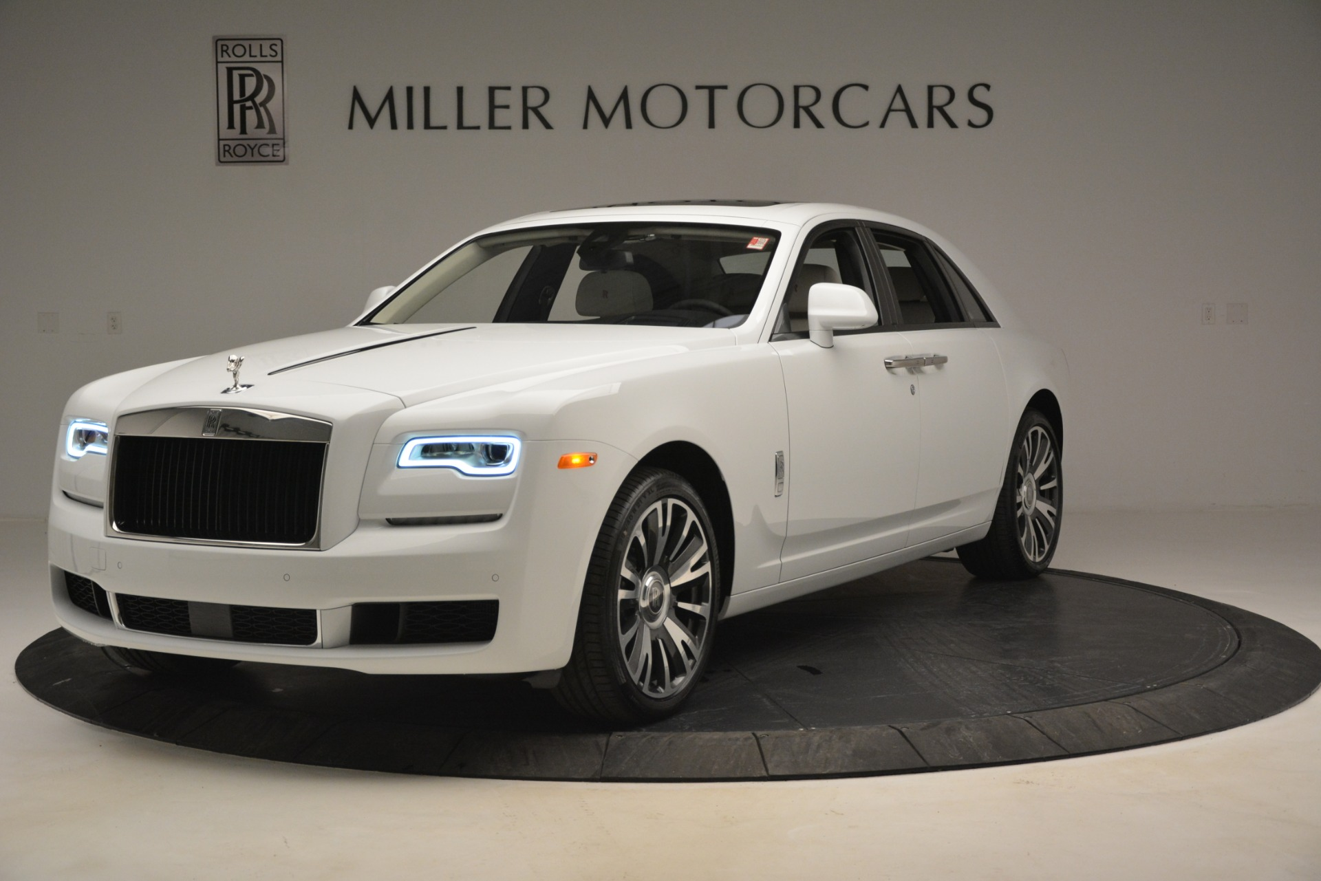 Used 2019 Rolls-Royce Ghost for sale $298,900 at Maserati of Greenwich in Greenwich CT 06830 1