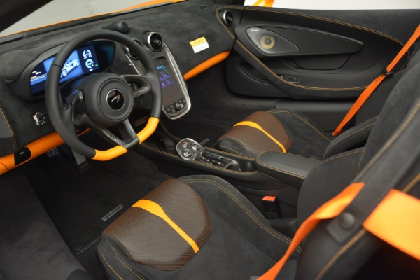 Used 2019 McLaren 570S SPIDER Convertible for sale $240,720 at Maserati of Greenwich in Greenwich CT 06830 23