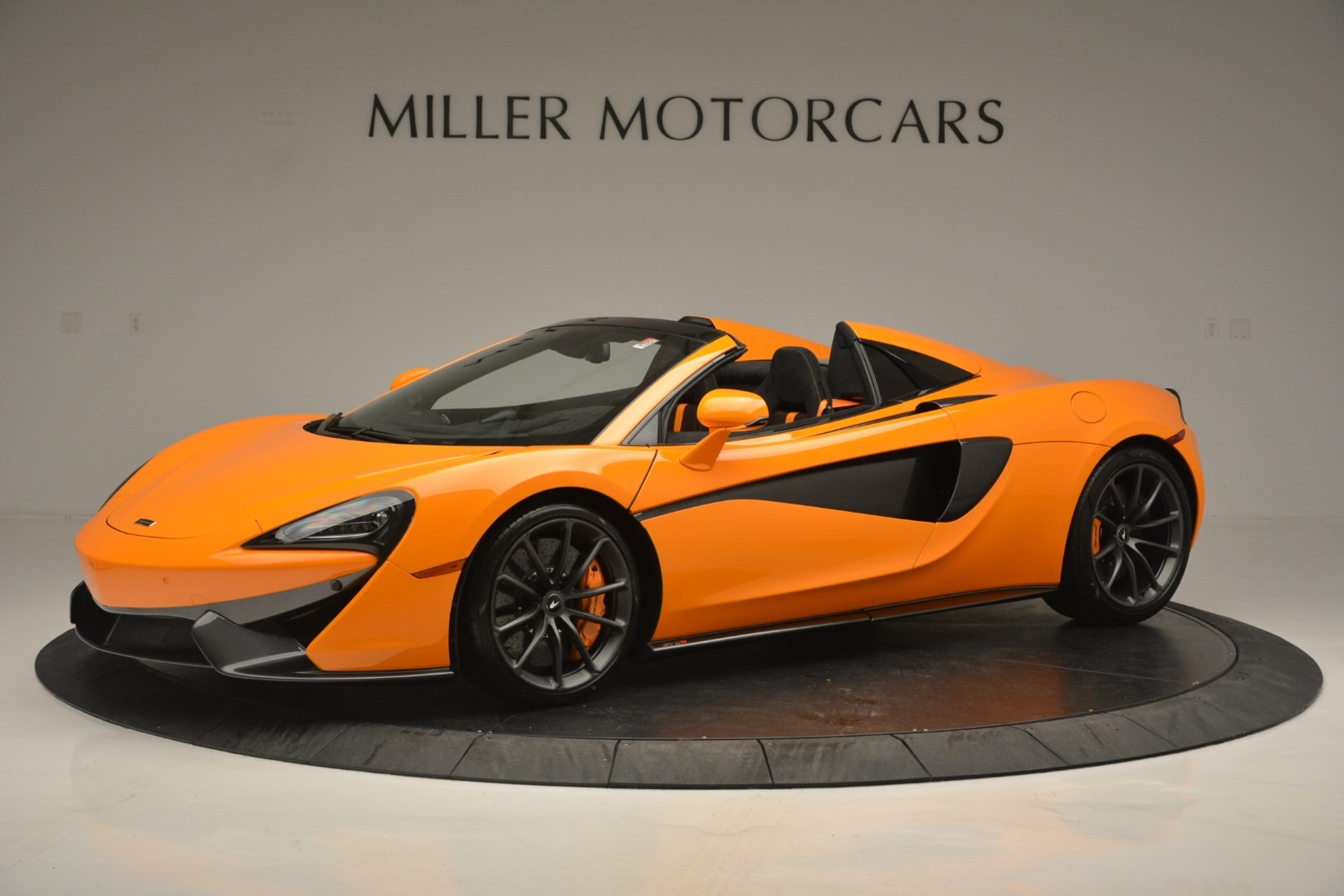 Used 2019 McLaren 570S SPIDER Convertible for sale $240,720 at Maserati of Greenwich in Greenwich CT 06830 1