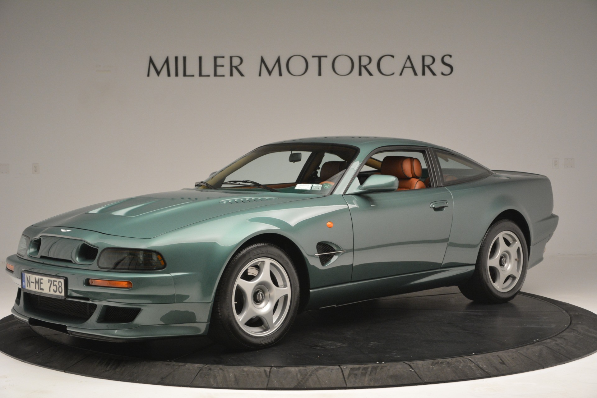Used 1999 Aston Martin V8 Vantage Le Mans V600 Coupe for sale $550,000 at Maserati of Greenwich in Greenwich CT 06830 1