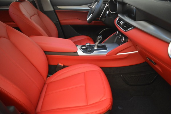 New 2019 Alfa Romeo Stelvio Sport Q4 for sale Sold at Maserati of Greenwich in Greenwich CT 06830 20