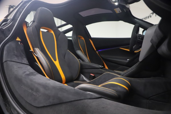 Used 2019 McLaren 720S Performance for sale $245,900 at Maserati of Greenwich in Greenwich CT 06830 19