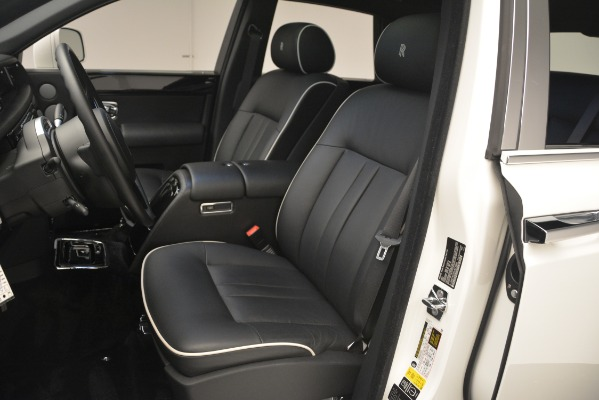 Used 2014 Rolls-Royce Phantom for sale Sold at Maserati of Greenwich in Greenwich CT 06830 17