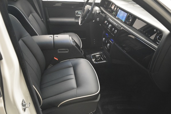 Used 2014 Rolls-Royce Phantom for sale Sold at Maserati of Greenwich in Greenwich CT 06830 27