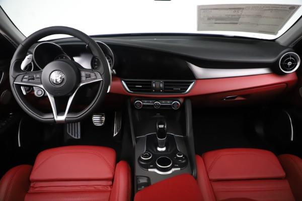 New 2019 Alfa Romeo Giulia Ti Sport Q4 for sale Sold at Maserati of Greenwich in Greenwich CT 06830 16