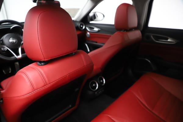New 2019 Alfa Romeo Giulia Ti Sport Q4 for sale Sold at Maserati of Greenwich in Greenwich CT 06830 20