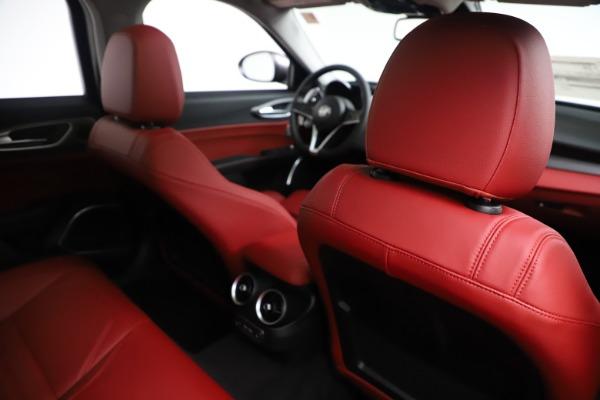New 2019 Alfa Romeo Giulia Ti Sport Q4 for sale Sold at Maserati of Greenwich in Greenwich CT 06830 28