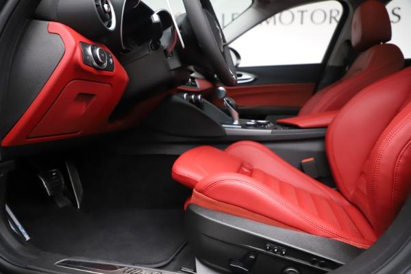 New 2019 Alfa Romeo Giulia Ti Sport Q4 for sale Sold at Maserati of Greenwich in Greenwich CT 06830 14