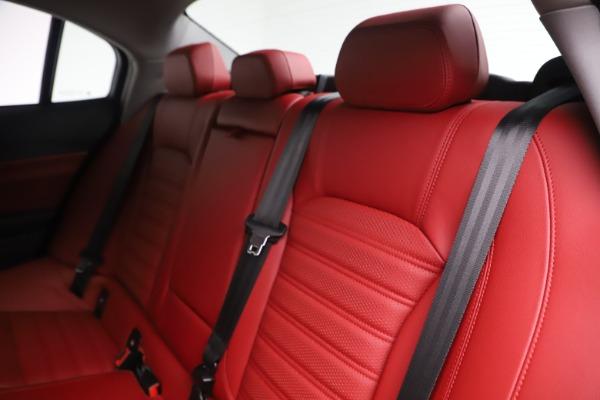 New 2019 Alfa Romeo Giulia Ti Sport Q4 for sale Sold at Maserati of Greenwich in Greenwich CT 06830 18