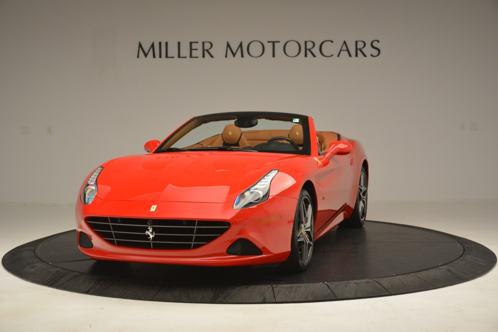 Used 2017 Ferrari California T Handling Speciale for sale $174,900 at Maserati of Greenwich in Greenwich CT 06830 1