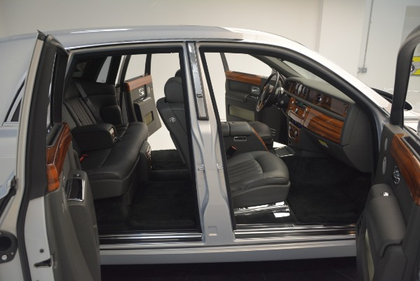 Used 2007 Rolls-Royce Phantom for sale Sold at Maserati of Greenwich in Greenwich CT 06830 28