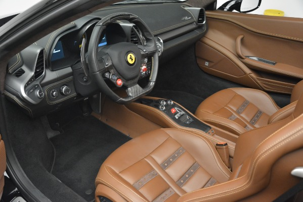 Used 2013 Ferrari 458 Spider for sale $235,900 at Maserati of Greenwich in Greenwich CT 06830 19