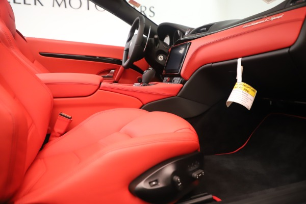 New 2018 Maserati GranTurismo Sport Convertible for sale $159,740 at Maserati of Greenwich in Greenwich CT 06830 27