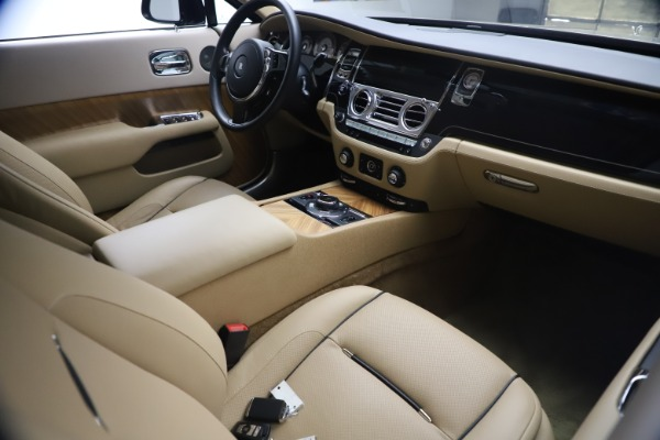 Used 2015 Rolls-Royce Wraith for sale $199,900 at Maserati of Greenwich in Greenwich CT 06830 20