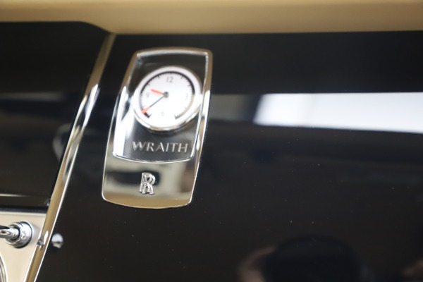 Used 2015 Rolls-Royce Wraith for sale $199,900 at Maserati of Greenwich in Greenwich CT 06830 27