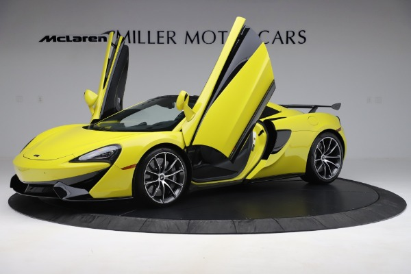 New 2019 McLaren 570S SPIDER Convertible for sale $227,660 at Maserati of Greenwich in Greenwich CT 06830 18