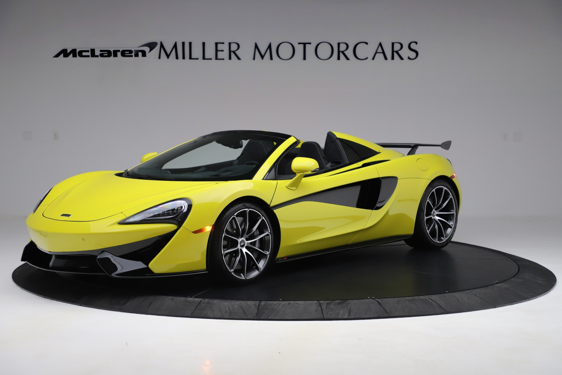 New 2019 McLaren 570S SPIDER Convertible for sale $227,660 at Maserati of Greenwich in Greenwich CT 06830 1