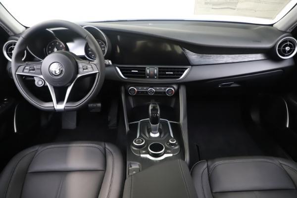 New 2019 Alfa Romeo Giulia Q4 for sale Sold at Maserati of Greenwich in Greenwich CT 06830 16