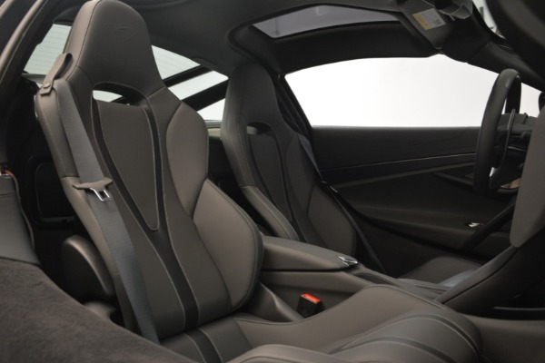 Used 2018 McLaren 720S for sale $269,900 at Maserati of Greenwich in Greenwich CT 06830 19