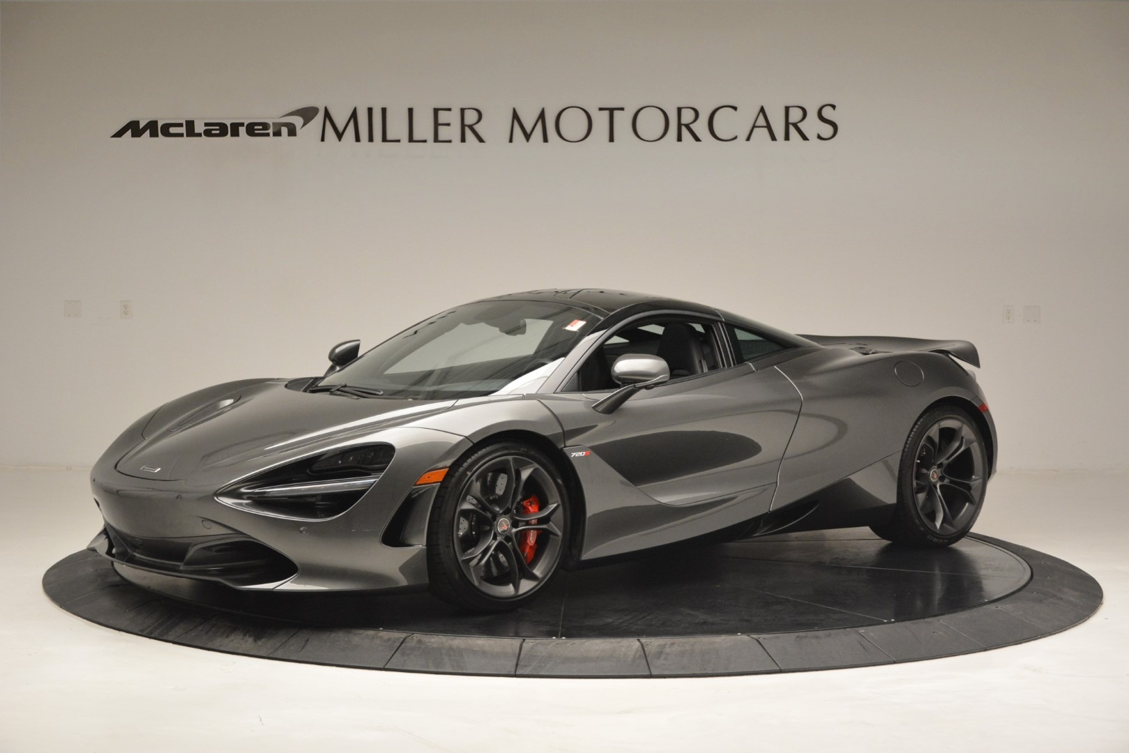 Used 2018 McLaren 720S for sale $269,900 at Maserati of Greenwich in Greenwich CT 06830 1