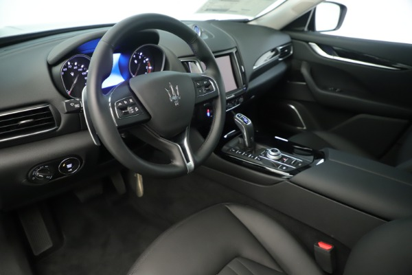 New 2019 Maserati Levante Q4 Nerissimo for sale $89,850 at Maserati of Greenwich in Greenwich CT 06830 13