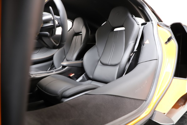 New 2019 McLaren 600LT Coupe for sale $279,310 at Maserati of Greenwich in Greenwich CT 06830 17
