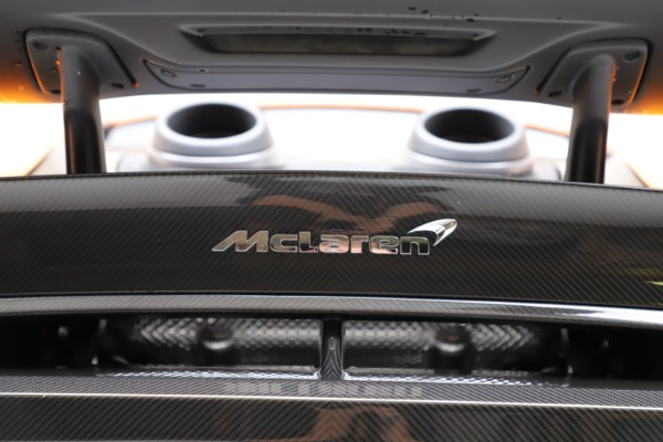 New 2019 McLaren 600LT for sale $279,310 at Maserati of Greenwich in Greenwich CT 06830 24