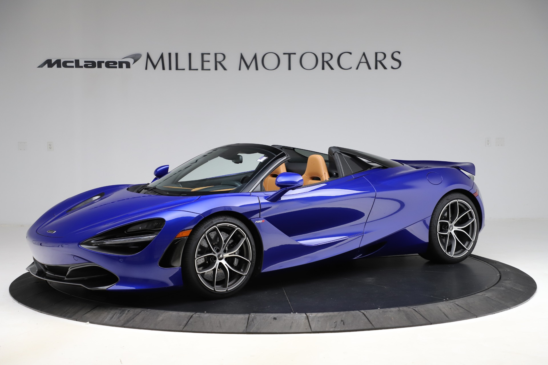 New 2020 McLaren 720S SPIDER Convertible for sale $374,830 at Maserati of Greenwich in Greenwich CT 06830 1