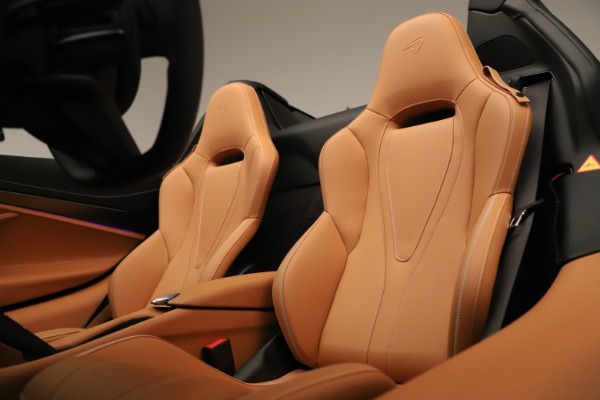 New 2020 McLaren 720S Spider for sale $372,250 at Maserati of Greenwich in Greenwich CT 06830 16