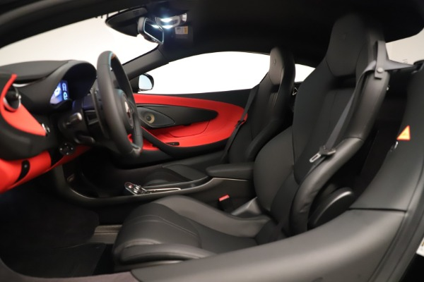 New 2019 McLaren 600LT Coupe for sale $278,790 at Maserati of Greenwich in Greenwich CT 06830 21
