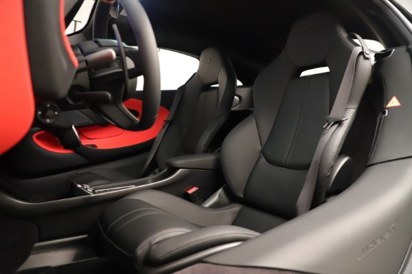 New 2019 McLaren 600LT Coupe for sale $278,790 at Maserati of Greenwich in Greenwich CT 06830 22