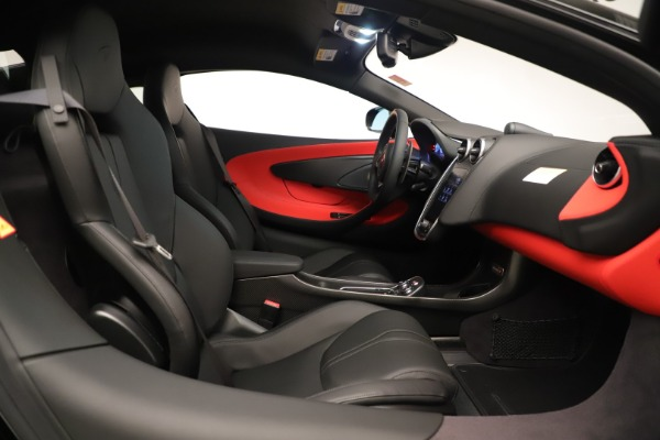 New 2019 McLaren 600LT Coupe for sale $278,790 at Maserati of Greenwich in Greenwich CT 06830 24
