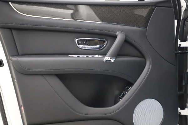 New 2020 Bentley Bentayga V8 Design Series for sale $216,860 at Maserati of Greenwich in Greenwich CT 06830 17