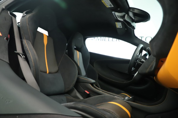 Used 2016 McLaren 570S Coupe for sale $151,900 at Maserati of Greenwich in Greenwich CT 06830 18