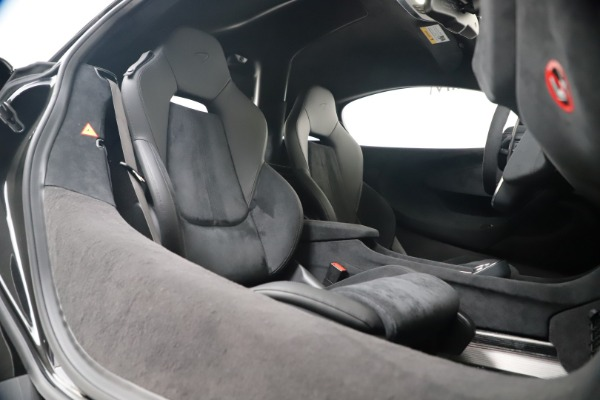 New 2019 McLaren 600LT for sale $305,639 at Maserati of Greenwich in Greenwich CT 06830 26