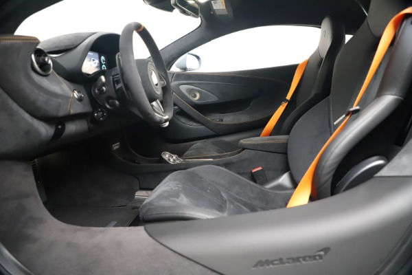 New 2019 McLaren 600LT Coupe for sale $311,619 at Maserati of Greenwich in Greenwich CT 06830 19